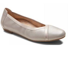 Vionic Light Grey Caroll Womens Ballet Flat 9.5